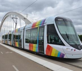 Prendre le bus, le tramway à Angers