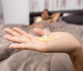 Sexualité jeunes_premières relations sexuelles_contraception_IST_