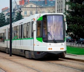 Prendre le bus, le tram à Nantes
