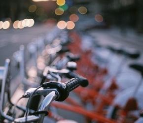 Bicloo, Vélocité... le vélo dans les villes des Pays de la Loire/Amir Kuckovic / CC BY-NC-SA