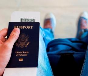 passeport main