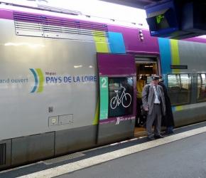 Pass transport - Pays de la Loire CC BY Jean-Louis Zimmermann