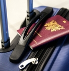 Démarches administratives étudiants étrangers en France_https://pixabay.com/en/passport-luggage-trolley-travel-2733068/