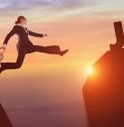 Travailler en France_Ressortissants étrangers_https://pixabay.com/en/success-business-woman-career-jump-2697951/